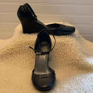 Nine West Ankle Strap Wedge Heels Sz 9